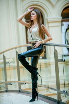 Leather pants street style #stilettoheelsoutfit #stilettoheelsmistress