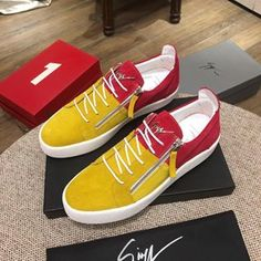 Low Top Giuseppe Zanotti Sneakers Brand new never worn size 9 Giusseppes. They are marketed toward men but they look good on women also. Casual Leather Shoes, Casual Shoes, Giuseppe Zanotti Sneakers, Zanotti Shoes, Sneaker Boutique, Wholesale Shoes, Sneaker Brands, Footwear Shoes, Shoes Sneakers