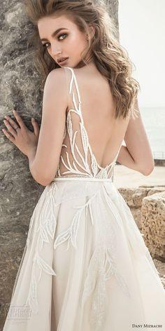 Un diseño orgánico y elegante de Danny Mizrachi 2018. #vestidos #novia
