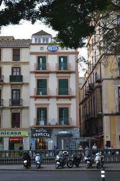 Edificio en Alameda Principal, Málaga. Fotografía: Manuel Riera Jiménez