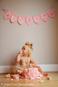 Baby girl cake smash: Sugarfree photography by Kaye ReamireZ