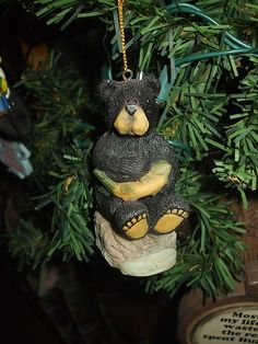 BLACK BEAR SITTING WITH FISH GREAT LODGE LOOK CHRISTMAS TREE ORNAMENT on eBay