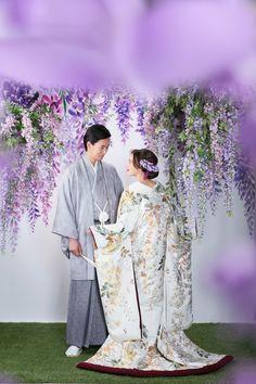 Traditional Wedding Attire, Traditional Fashion, Traditional Outfits, Wedding Couple Photos, Pre Wedding Photoshoot, Japanese Wedding Kimono, Asian Inspired Wedding, Traditional Japanese Kimono, European Wedding