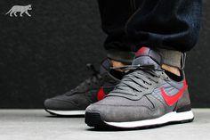 Nike Air Internationalist: Grey/Red/White
