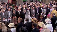 Michael Middleton walks his daughter, Catherine Elizabeth Middleton, down the aisle in Westminster Abbey. Elizabeth Of York, Princess Elizabeth, Princess Kate, Prince Philip, Prince William, Duke And Duchess, Duchess Of Cambridge, Kate Wedding Dress, Carole Middleton