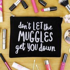 Hold all your beauty loot in a cute makeup bag that sends all muggles awaybasically the Harry Potter Makeup, Harry Potter Gifts, Cute Makeup Bags, You Got This, Let It Be, Makeup Brush Set, Beauty Supply, Girl Gifts, Hogwarts