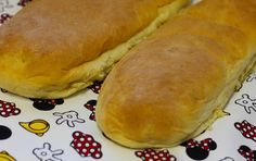 """Receta de Pan Sobao Saludos a todos hoy le traemos la receta del famoso Pan Sobao de nuestra isla Puerto Rico, durante muchos años estuve buscando esta receta y de muchas que encontré por ahi añadiendo y quitando ingredientes hice una… La necesidad es la madre de la invensión como dicen en la isla, y que mejor que levantarse en la mañana y disfrutar de un buen pedazo de Pan Sobao desde el Continente Europeo. La manera mas fácil de hacer este pan es con una """"bread machine"""" o maquina de ..."""