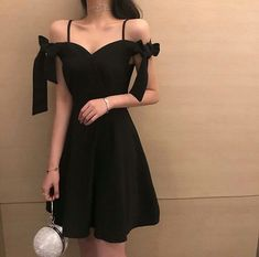 Retro Hepburn Style Elegant One-collar Butterfly Tie Belt Dress - Source by - Pretty Outfits, Stylish Outfits, Cute Outfits, Korean Fashion Trends, Asian Fashion, Cute Fashion, Girl Fashion, Fashion Tips, Fashion Vintage