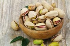 Top 20 Estrogen Rich Foods You Should Include In Your Diet Pistachio Health Benefits, Heart Healthy Snacks, 100 Calorie Snacks, Vegetable Protein, Food Out, 100 Calories, Good Fats, Vegan, Pistachios