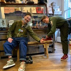 Nigel Cabourn, Old Things, Khaki Pants, Style Inspiration, Usmc, Pants Outfit, Men's Fashion, How To Wear, Outfits