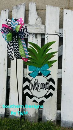 NEW PINEAPPLE GARDEN FLAG!!! Check out this item in my Etsy shop https://www.etsy.com/listing/235506945/pineapple-garden-flag-wooden-yard-sign
