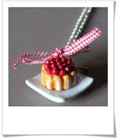 Deux tutos vidéo pour faire des charlottes, aux fraises ou aux fruits. Et une bonne idée pour récupérer votre vieille fimo toute mélangée. Fera pour sur un très joli bijou gourmand à porter pour les grandes occasions.