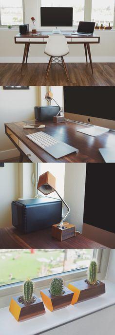 Jeremy Goldberg <3 that lamp and desk!