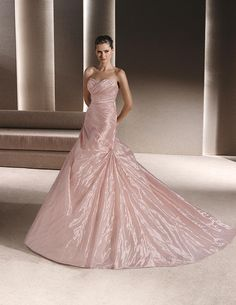 Pink dress, with sweetheart neckline #rosaygris