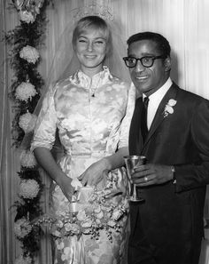 Sammy Davis Jr. and May Britt, 1960 | 41 Insanely Cool Vintage Celebrity Wedding Photos
