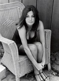 Jacqueline Bisset en un descanso en el rodaje de Bullit , 1968