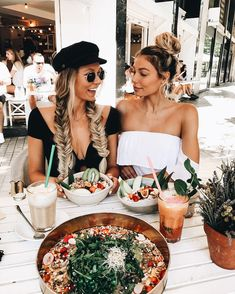 Get with the girls today! Feel those summer vibes grabbing some brunch with your girls! Add some super cute nipple piercings, septum rings, nose studs, belly bars and many more to finish off your look! www.throwbackannie.com