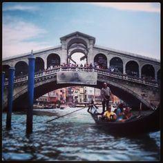 Venecia Places Ive Been, Places To Go, Italian Phrases, Amazing Pictures, Covered Bridges, Free Travel, Sydney Harbour Bridge, Tenerife, Vacation Ideas
