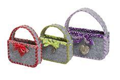 Die beste Begleitung für eine Wiesenschöhnheit Straw Bag, Baby Shoes, Kids, Fashion, Oktoberfest, Children, Boys, Moda, La Mode