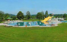 Das Freibad Jennersdorf ist für die ganze Familie ein riesen Spaß!   Es ist nur ein paar Minuten vom Thermenhotel PuchasPLUS**** Stegersbach entfernt. Hotels, Golf Courses, Hotel Bedrooms, Road Trip Destinations, Adventure, Couple
