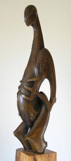 Roi Toia, Pacific Islanders? Human Sculpture, Wood Sculpture, Carving Tools, Stone Carving, Maori People, New Zealand Art, Art Premier, Maori Art, Indigenous Art