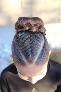 Wedding Updo Hair Styles Do bangs make you look younger? For Black Women Bun Hai… – Bun Hairstyles Ballet Hairstyles, French Braid Hairstyles, Box Braids Hairstyles, Gymnastics Hairstyles, Hair For Gymnastics, Braided Hairstyles For School, Style Hairstyle, Updo Hairstyle, Stylish Haircuts