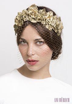 15colgadasdeunapercha_con_cabeza_y_a_lo_loco_tocados_coronas_diademas_canotiers_pamelas_turbantes_sombreros_headdresses_ani_burech_3