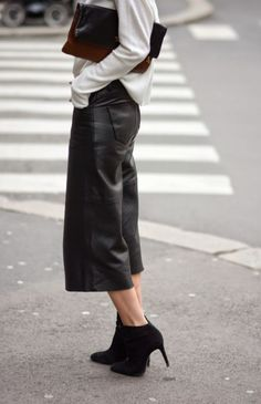Leather Culottes.. #Leather #Culottes #StreetStyle #OversizedClutch