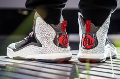 "Derrick Rose laces up the adidas D Rose 5 Boost ""Away"" when he plays on the road."