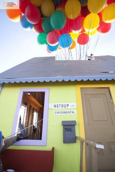 Flying Balloon House Inspired by Disney Pixar Movie Up Up Movie House, Up House, Flying Balloon, Air Balloon, Balloons Galore, Floating Balloons, Film Up, Balloon House, National Geographic Channel