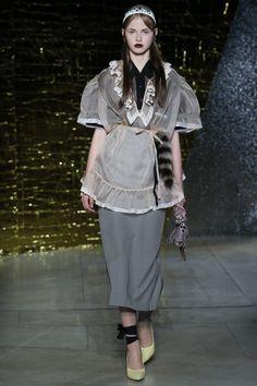 Miu Miu Spring 2016 Ready-to-Wear Collection Photos - Vogue http://www.vogue.com/fashion-shows/spring-2016-ready-to-wear/miu-miu/slideshow/collection#34