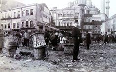 """""""Bir zamanlar #Eminönü meydanı… """""""