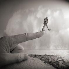 Follow the Finger - Yves Lecoq