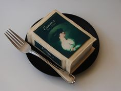 Book cakelet. Must learn how to make!