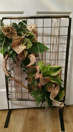 Modern Flower Arrangements, Garden Club, Flower Show, Line Design, Ikebana, Silk Flowers, Creative Design, Beautiful Flowers, Floral Design