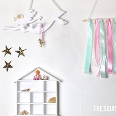 She sells sea shells 🐚✨. New mermaid accessory hanger ❤️ . . . . #shells #mermaid #accessories #prettystorage #hanger #hooks #white #farrowandball #mpsandtsc #uniquepartygifts #smallbusiness #supportsmall #instagirls #instaboy  #handmade #handcrafted #instakids #instamums #personalised #customorder #homedecor #nurserydecor #partydecor