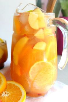 Sommer Drinks - This non alcoholic sangria recipe is a luscious, refreshing drink that is great . Non Alcoholic Sangria, Drink Recipes Nonalcoholic, Sangria Recipes, Punch Recipes, Alcoholic Beverages, Fruit Drinks, Party Drinks, Cocktail Drinks, Cocktails
