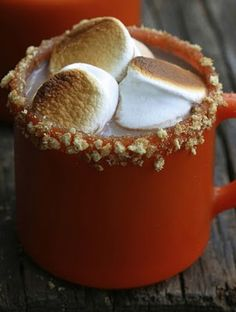 Toasted marshmallow brown sugar rimmed malted hot cocoa for chilly fall days and nights. Looks delicious! Hot Cocoa Recipe, Cocoa Recipes, Chocolates, Yummy Drinks, Yummy Food, Tapas, Toasted Marshmallow, Fall Recipes, Hot Chocolate