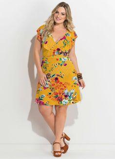 Vestido Transpassado Estampado Amarelo Plus Size - Quintess