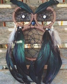 Owl-Dream-Catcher- dream catcher 22 Cool DIY Projects for Teenagers - The Saw Guy Cool Diy Projects, Diy Projects For Teens, Owl Crafts, Diy And Crafts, Los Dreamcatchers, Moon Dreamcatcher, Dream Catcher Craft, Making Dream Catchers, Homemade Dream Catchers