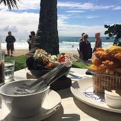Here's a little mid-week inspiration to get you through to the weekend... Fresh seafood and sparkling views over Noosa Main Beach? Don't mind if we do! This tempting shot was captured at Bistro C, which is one of several restaurants that line Noosa's Hastings St.