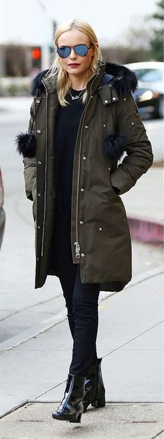 Kate Bosworth in a Moose Knuckes parka, black jeans, booties and aviators Celebrity Red Carpet, Celebrity Style, Daily Style, My Style, Down Puffer Coat, Kate Bosworth, Aviators, Celebs, Celebrities
