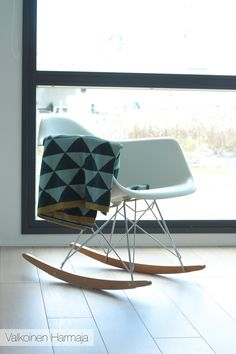 Tämä tuoli Love it! Rocking Chair, Furniture, Home Decor, Eggs, Chair Swing, Decoration Home, Room Decor, Rocking Chairs, Home Furnishings