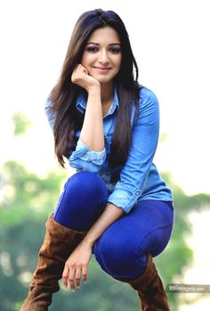 Catherine Tresa is an Indian film actress and model, who appears in Kannada, Malayalam, Telugu and Tamil films. Beautiful Girl Indian, Most Beautiful Indian Actress, Beautiful Girl Image, Beautiful Bollywood Actress, Beautiful Actresses, Beauty Full Girl, Beauty Women, Vaquera Sexy, Bollywood Outfits