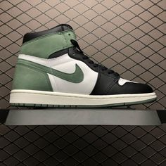 b5b64804cea72f Air Jordan 1 Retro High OG Clay Green Summit White Black Clay Green Jordan  1 Blue