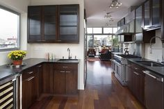 A kitchen like this in an apartment that overlooks the NYC skyline would be amazing.