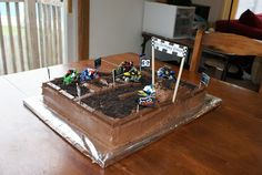 Funny thing is my Daughter would love this; Dirt Bike cake for 5 year old boy. The dirt is cookies and the racing border is kit kats and the finish line says Happy Birthday Ethan. Dirt Bike Cakes, Dirt Bike Party, Dirt Bike Birthday, Smoothie Prep, Raspberry Smoothie, Apple Smoothies, Bmx Cake, 8th Birthday, Happy Birthday