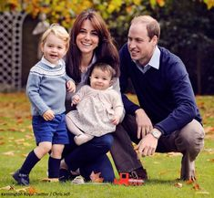 Duchess Kate: A Christmas Family Photo Released & Prince George to Begin Montessori School in Norfolk!