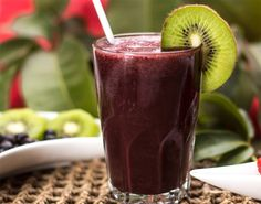 15 Amazing Benefits Of Acai Berry Juice For Skin, Hair And Health