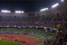 Estadio San Nicola de Bari, abierto en 1990 y propiedad de la ciudad. En el juega el equipo de la ciudad el FC Bari, y tiene una capacidad de  58.200 personas.